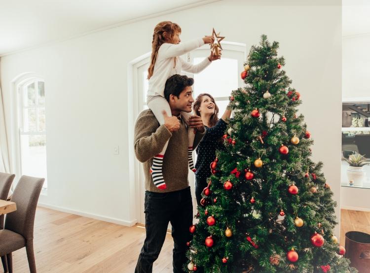 Family christmas tree.jpg